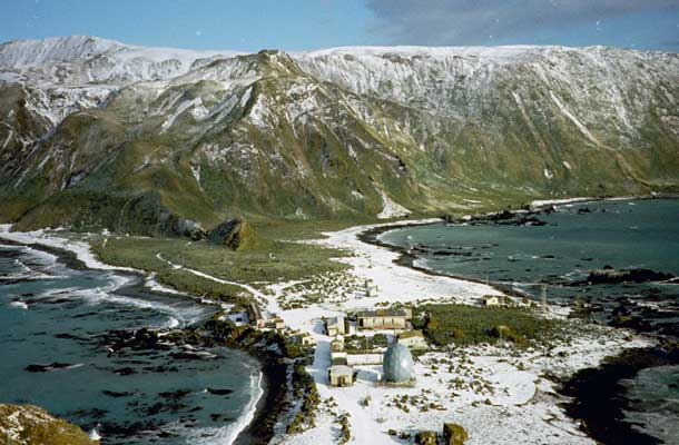 Image of the Macquarie Island Isthmus with snow on the ground