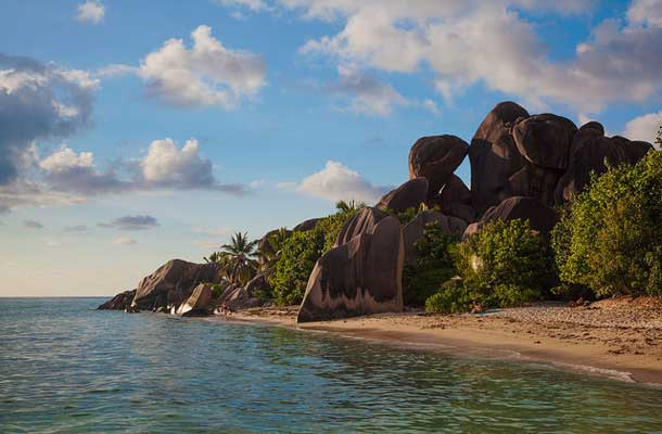 Anse Source D'argent with beach and cliff