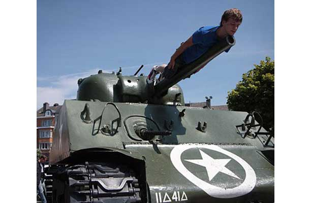 planking on the turrent of a tank