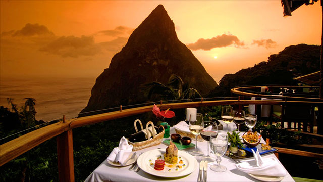 25 Restaurants With Jaw Dropping Views