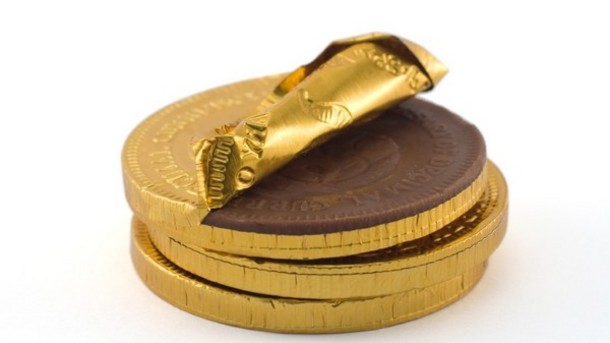 www.confectionerynews.com Carmit-Candy-bets-big-on-vitamin-and-beauty-chocolate-coins_strict_xxl