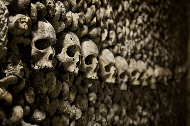 25 Spooky Pictures Of The Parisian Catacombs, The World´s Largest Necropolis