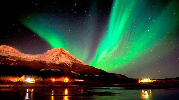 informedexplorer.com Seeing-the-Northern-Lights-for-a-romantic