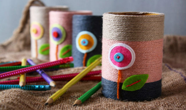 diy_pen_holder_by_recycling_toilet_paper_rolls_by_sandylee222-d6zflvu