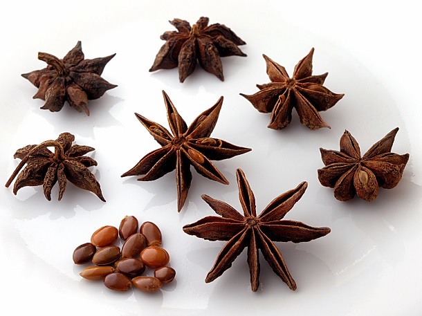 anise fruit and seeds