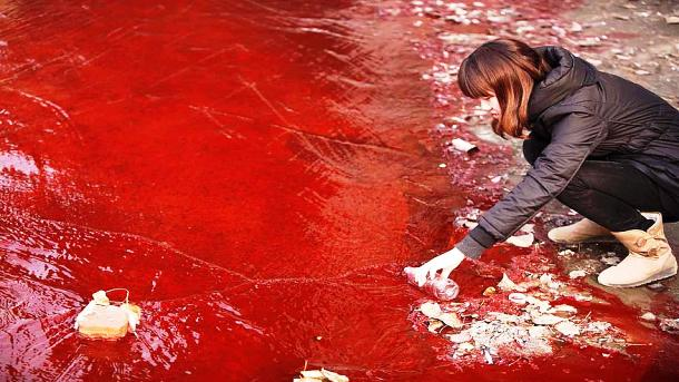 Jianhe River's polluted water