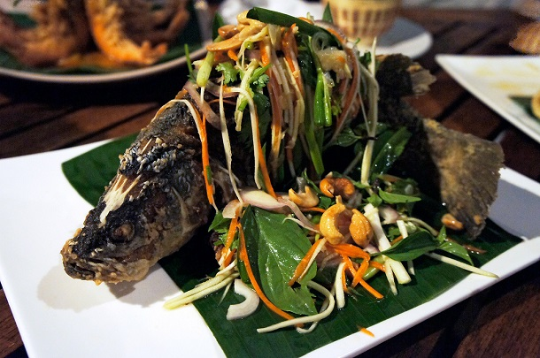 Deep-Fried-Fish-with-Spicy-Mango-Salad