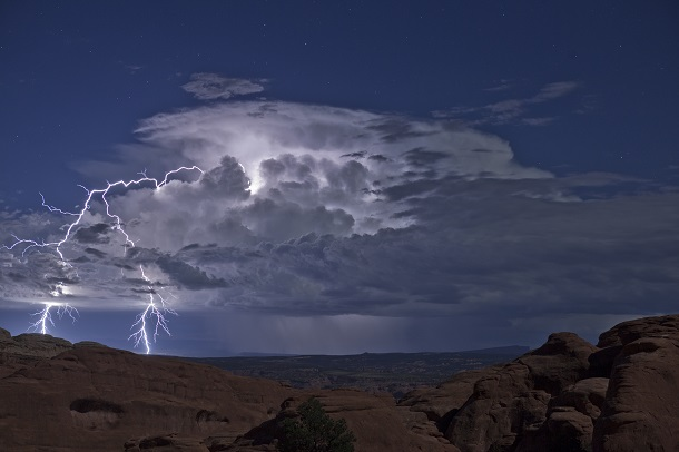 arches national park lightning