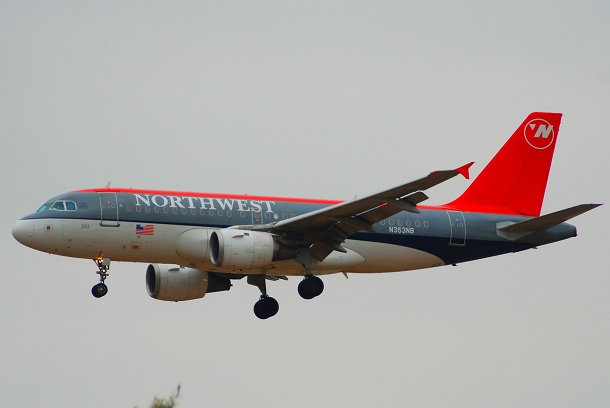 Northwest_Airlines_Airbus_A319