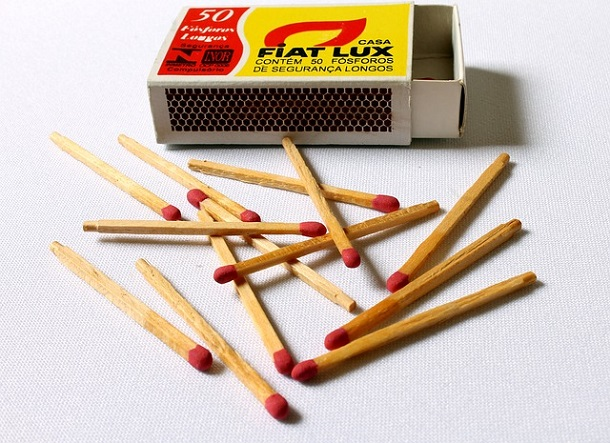 matches with box