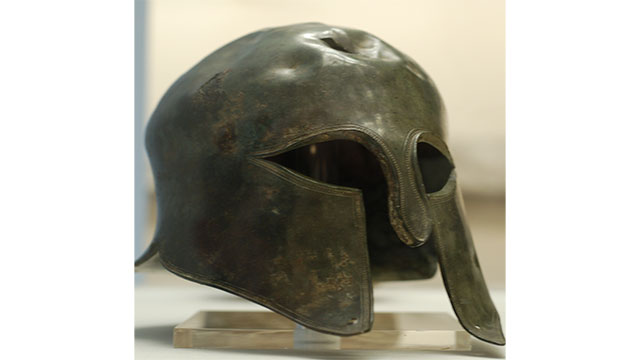 Spartans saw a shaved face as a sign of dishonor