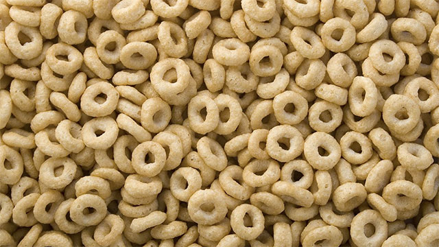 How does water affect breakfast cereal?