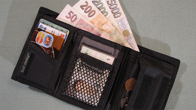 You don't ever need to actually look at your money when you are paying for stuff. It comes out of your wallet in the perfect amount
