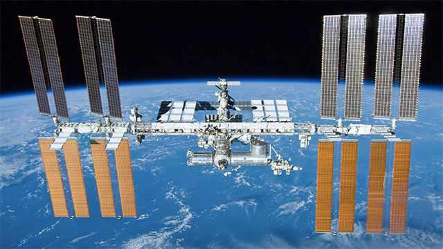 NASA keeps Armageddon, Apollo 13, and Around The World In 80 Days aboard the International Space Station