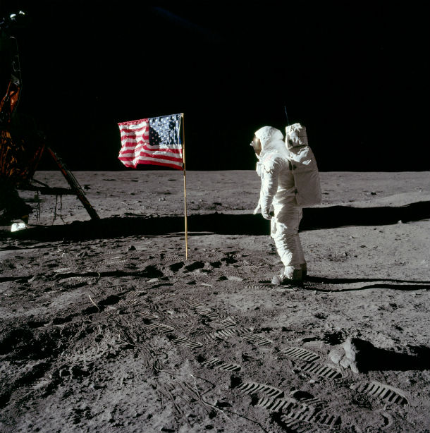 Space Walk on the moon