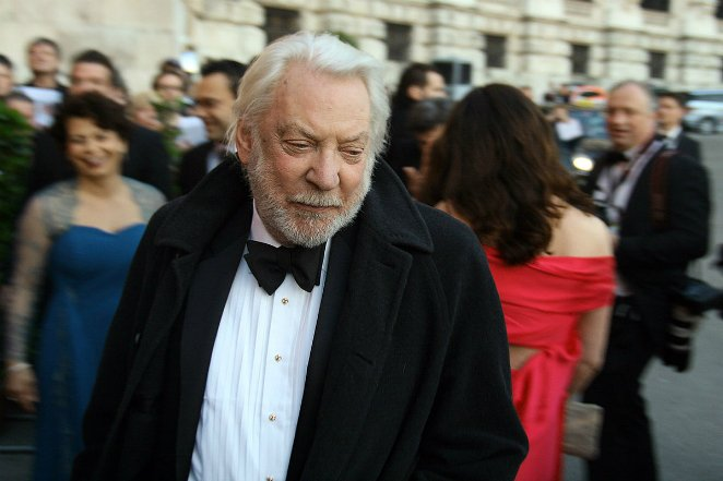 1200px-ROMY2011_a22_Donald_Sutherland