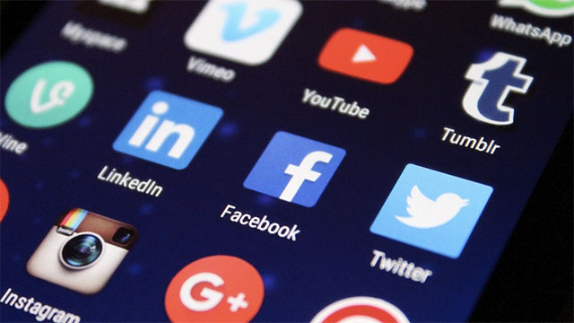 65% of smart phone users don't download any apps
