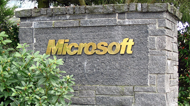 """The average """"Softie"""" (Microsoft employee) is a 38 year old male"""
