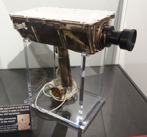 Lunar_Television_Camera_for_Apollo_11_Moon_Landing,_Westinghouse,_identical_to_the_model_used_on_the_moon_-_National_Electronics_Muse