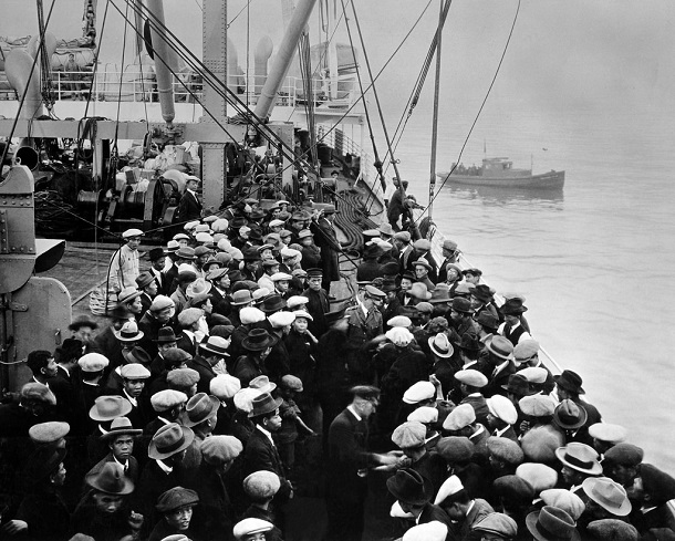 immigrants arriving by boat