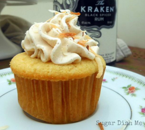 Spiced-Rum-Cupcakes-with-Boozy-Buttercream