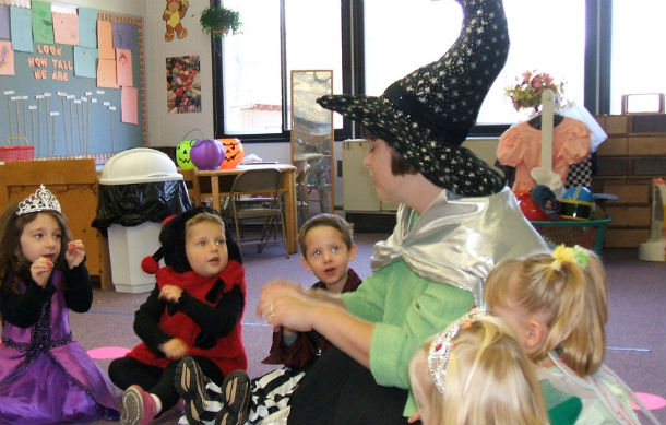 a_kindergarten_in_united_states_at_halloween_day