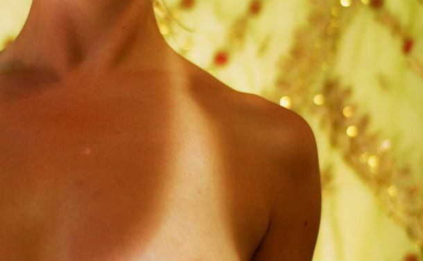 tan_lines_on_human_female_chest