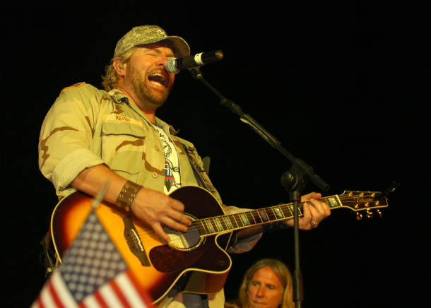 Toby_Keith_Iraq_15