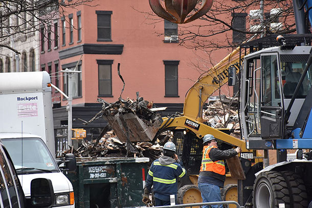 Cleanup_of_2015_East_Village_explosion_and_fire_in_New_York_City_3