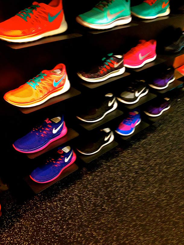Athletic_tennis_shoes