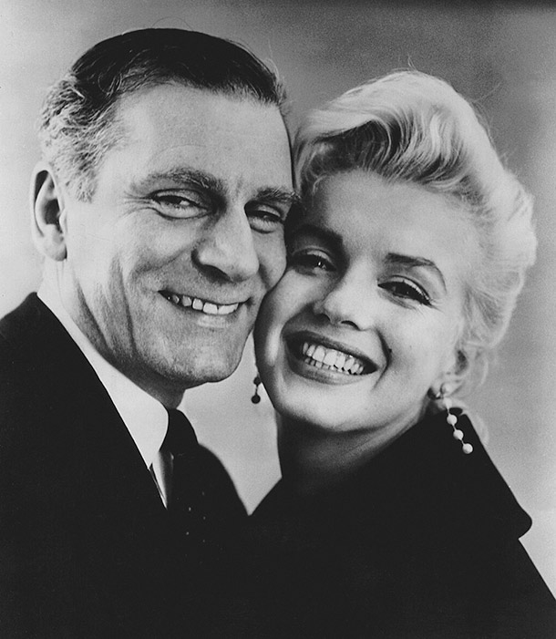 Laurence_Olivier_and_Marilyn_Monroe