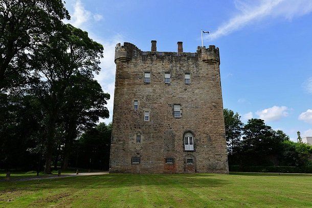 ALLOA_TOWER_SCOTLAND'S_LARGEST_AND_OLDEST_KEEP