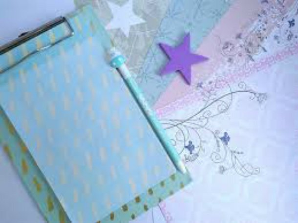 clipboard with stars