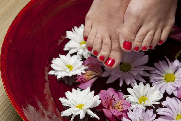 Pedicure-Woman-Foot-Spa-Treatment-Relaxation-Feet-12