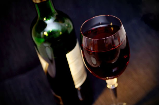 Wine-Glass-Benefit-From-Red-Wine-Drink-Alcohol-08