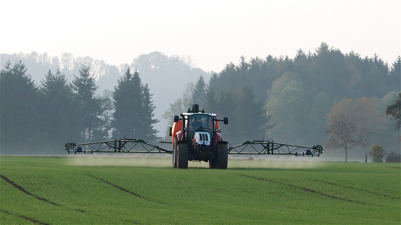 tractor-4575105_1280